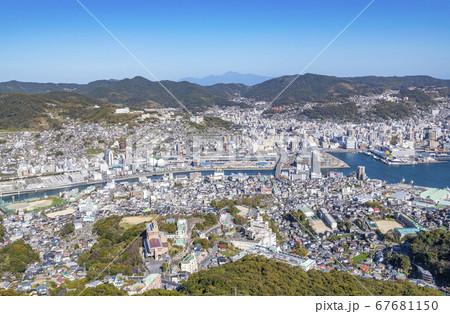 長崎県長崎市 稲佐山展望台から見る長崎市の街並み 67681150