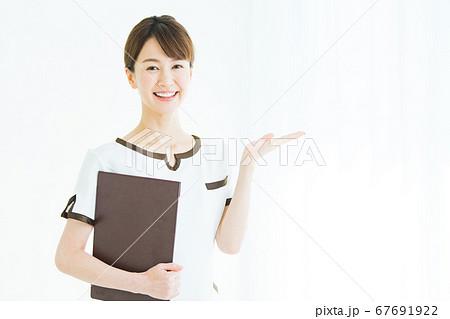 ビューティー ビジネス 女性 67691922
