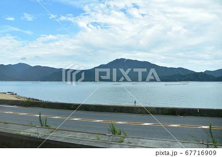 徳山駅から宮島口駅までの山陽本線車窓からの風景 67716909