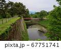 会津若松 鶴ヶ城 扇の勾配と廊下橋 67751741