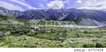【パノラマ】マウントクック国立公園のフッカーバレートラック 67757028