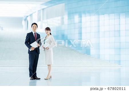 ビジネス 男女 チーム 67802011