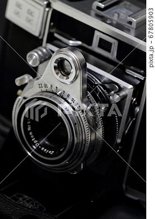 ドイツ製のオールドカメラ(コンテッサ35) 67805903