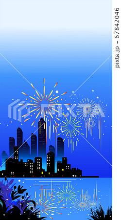 花火とウォーターフロントの夜景風景 67842046
