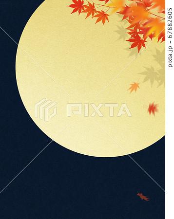 秋の満月と紅葉の背景 67882605