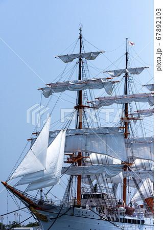 海の貴婦人大型帆船海王丸 67892103
