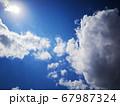 太陽と入道雲 67987324
