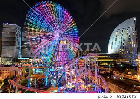 横浜・みなとみらいの夜景(ワールドポーターズ) 68023085
