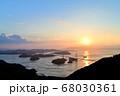 来島海峡大橋の夕日 68030361