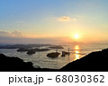 来島海峡大橋の夕日 68030362