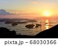 来島海峡大橋の夕日 68030366