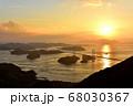 来島海峡大橋の夕日 68030367