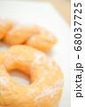 リング ドーナツ アップ ボケ ぼかし パン ツイスト 昭和 おやつ パン 懐かしい  68037725