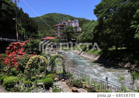 群馬県吾妻郡中之条町四万温泉の風景 68038705