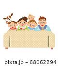 ソファー 家族 お家時間 幸せ 68062294
