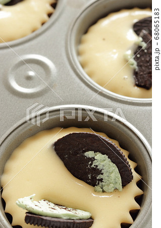 ミントクリームクッキーのマフィン 68065183