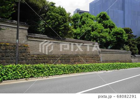 8月 文京115築地塀(湯島聖堂)と相生坂 68082291