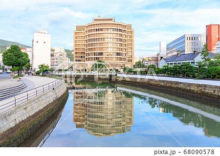 長崎市 出島にある表門橋から見た出嶋橋 68090578