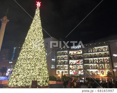 サンフランシスコの巨大なクリスマスツリー 68165997
