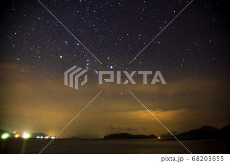 瀬戸内の空に昇る秋のオリオン座 ソフトフィルター使用 68203655