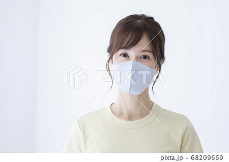 マスク 女性 68209669