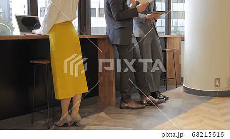 ビジネス 仕事 コワーキングオフィス シェアオフィス ノートパソコン パソコン 68215616