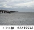 東京湾アクアラインと穏かな海 68245538