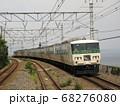根府川駅を通過する特急踊り子号185系 68276080