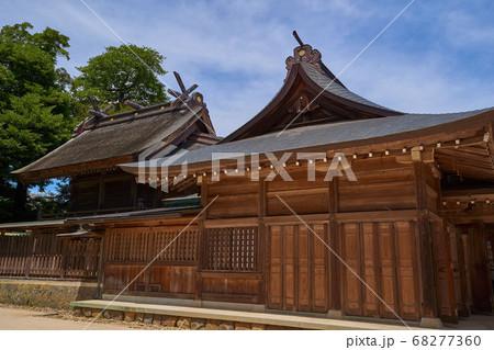 縁結びの神様 松江市八重垣神社の本殿、拝殿 68277360