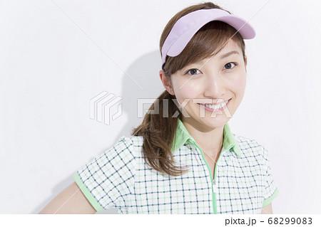 女性ゴルファー 68299083