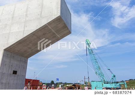工事現場_山陰道建設工事 橋脚 68387074