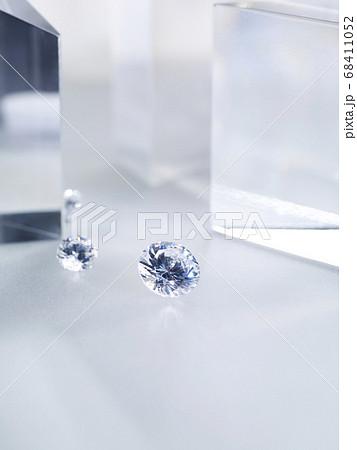 キラキラと輝くダイヤモンド 68411052