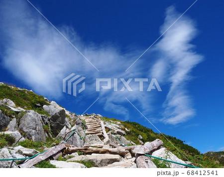 駒ヶ岳ロープウェイから極楽平へ続く登山道 68412541