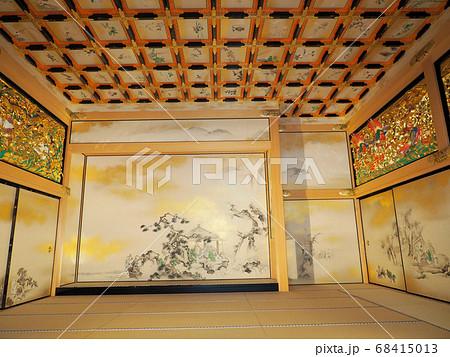 名古屋城本丸御殿上洛殿の障壁画と彫刻欄間 68415013