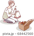 縫い物をする女性 68442560