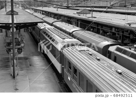 懐かしいスイスの駅風景 68492511