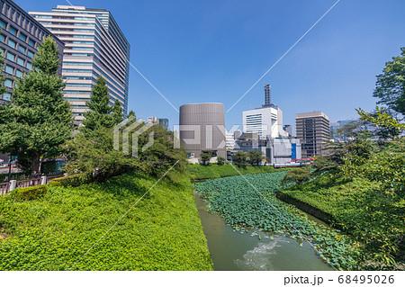 日本の東京都市景観 九段下駅前の昭和館などを望む 68495026