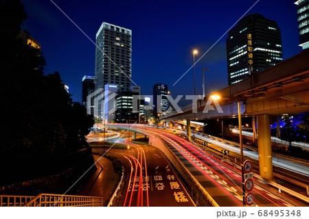 東京 青山通り赤坂見附付近の夜景 68495348