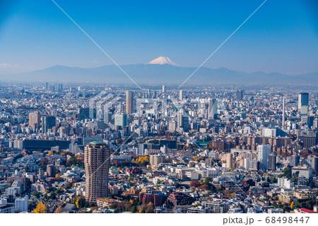 (東京都)東京タワー展望台から眺める東京都市風景 富士山遠望 68498447