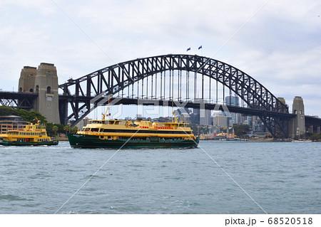 シドニーのハーバーブリッジ 68520518