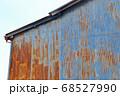 トタンの壁 68527990