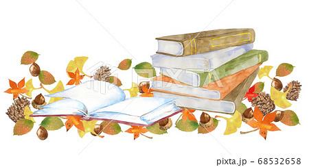 本と紅葉、読書の秋のイメージ 68532658
