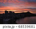 ハワイのワイキキビーチとダイヤモンドヘッド シェラトンホテル30階からの眺め  68539681