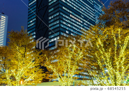 イルミネーションの新宿副都心 都市風景 68545255