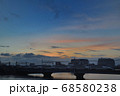 夕暮れの中川橋梁を渡る京成スカイライナー 68580238