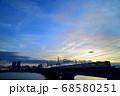 夕暮れの中川橋梁を渡る京成電車 68580251
