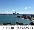 高台から見渡すニュージーランド、オークランドの景色 68582914