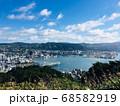 高台から見渡すニュージーランドの首都ウェリントンの街並み 68582919