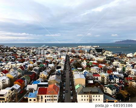 アイスランドの首都レイキャビクの町並み 68595386
