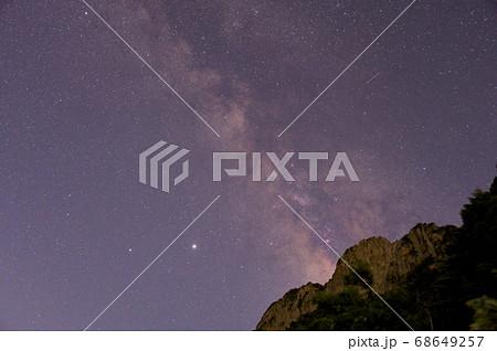 四国霊峰石鎚山の天の川 68649257